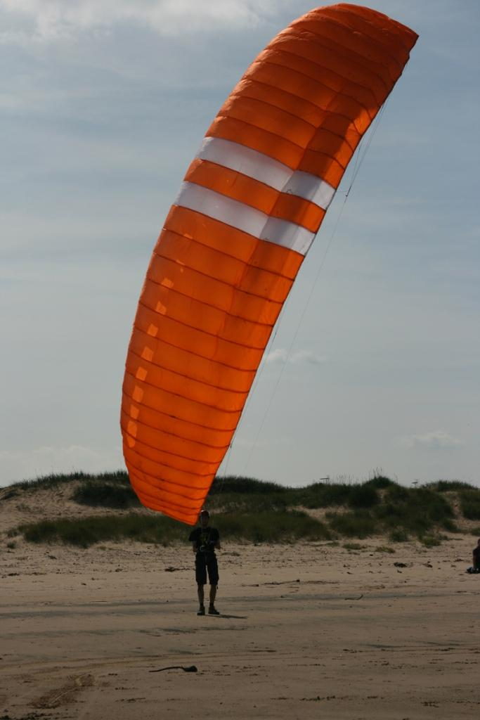 You are browsing images from the article: Dmuchawce, latawce, wiatr... Modne hobby - powerkiting