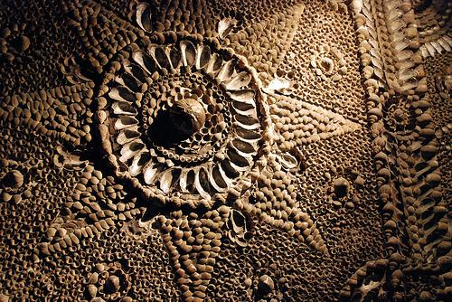 You are browsing images from the article: Shell Grotto - tajemnicze podziemne przejście
