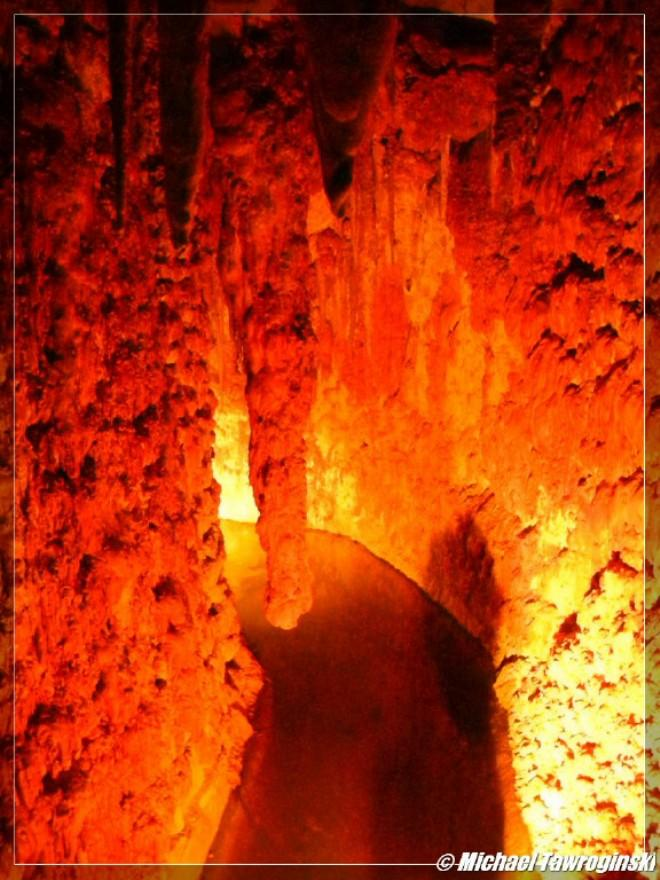 You are browsing images from the article: Hell Fire Caves (West Wycombe) - jaskinie klubu ognia piekielnego