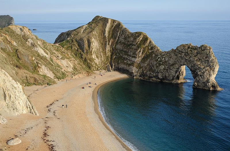 You are browsing images from the article: Durdle Door w Dorset - naturalny łuk na wybrzeżu