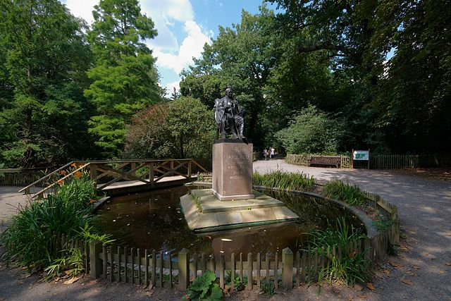You are browsing images from the article: Holland Park - romantyczny park w prestiżowej części Londynu