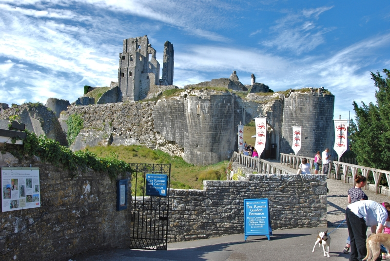 You are browsing images from the article: Corfe Castle - ruiny zamku na wyspie Purbeck