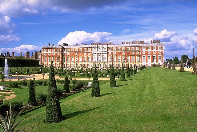 You are browsing images from the article: Hampton Court Palace  - jedna z licznych rezydencji króla Henryka VIII