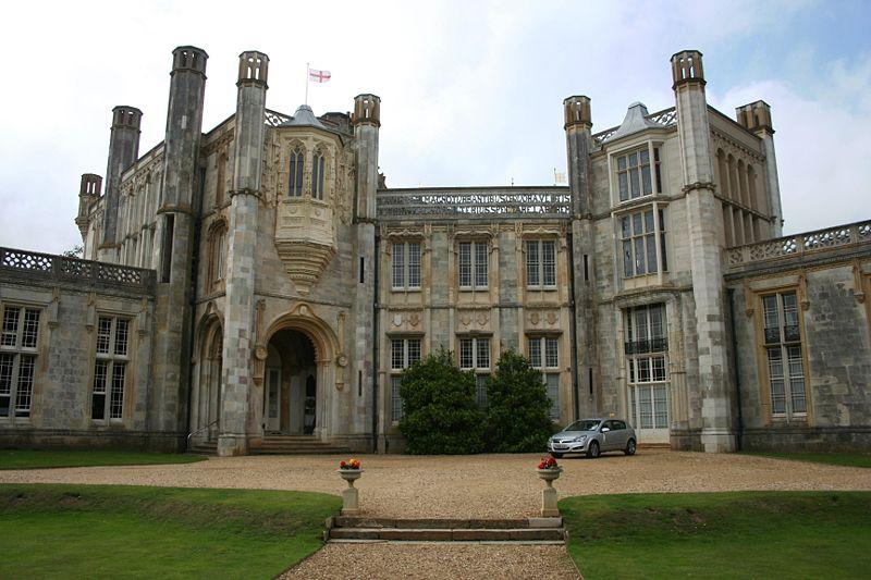 You are browsing images from the article: Highcliffe Castle - XIX-wieczny zamek w Dorset