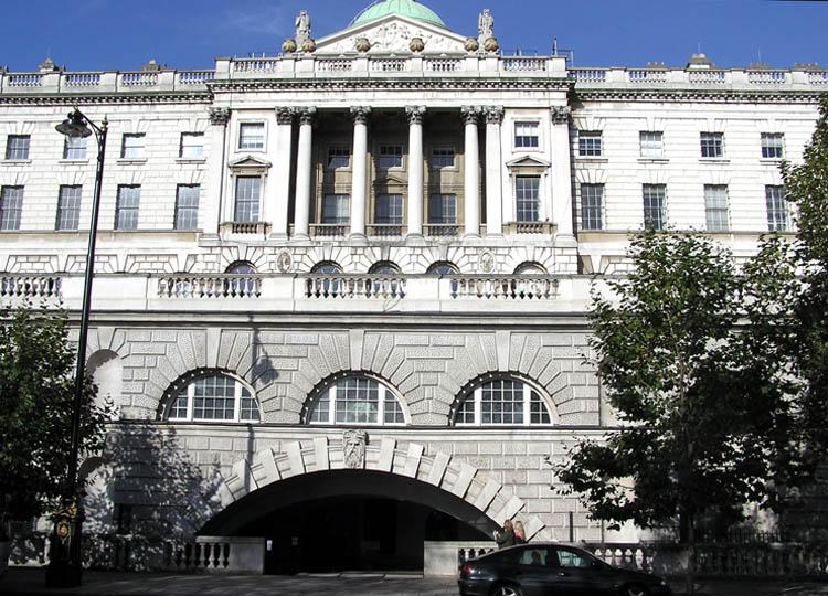 You are browsing images from the article: Somerset House w Londynie - neoklasycystyczna rezydencja z XVIII wieku