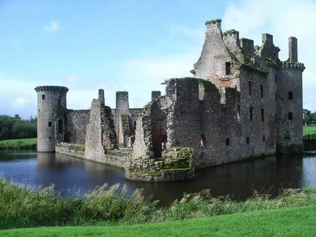 You are browsing images from the article: Caerlaverock Castle - szkocka twierdza, postrach Anglików