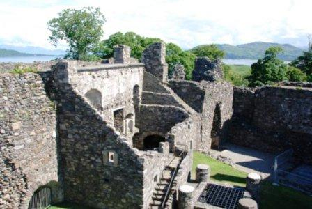 You are browsing images from the article: Dunstaffnage Castle - imponująca szkocka forteca z XII wieku
