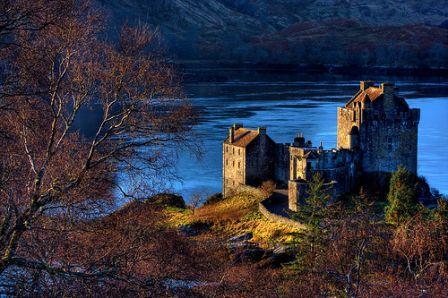 You are browsing images from the article: Eilean Donan Castle - zamek na wyspie, perła szkockiej fortyfikacji