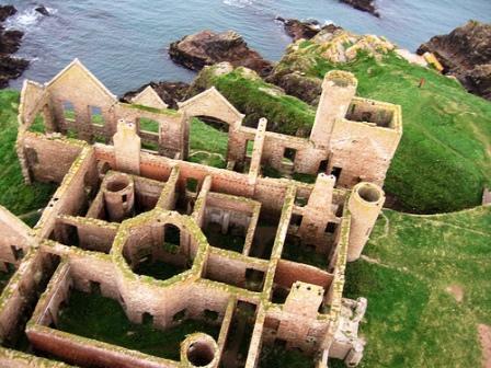You are browsing images from the article: Slains Castle - ruiny zamku, które stały się inspiracją dla twórcy Draculi