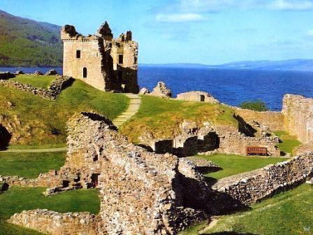You are browsing images from the article: Urquhart Castle - wyjątkowe ruiny historycznej potęgi zamku