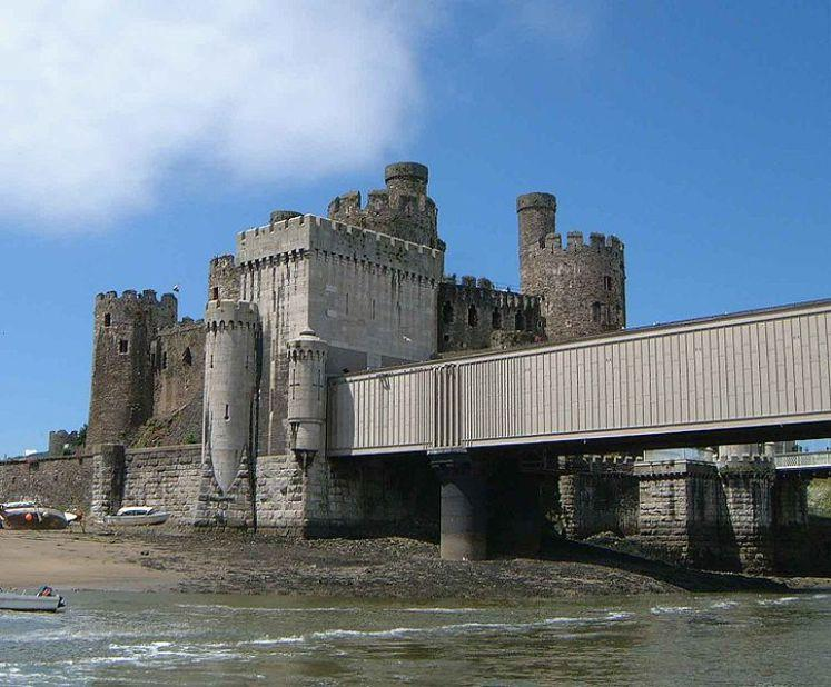 You are browsing images from the article: Zamek Conwy Castle - potężna twierdza obronna