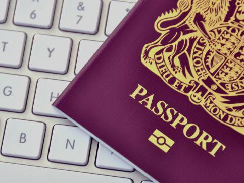 Osoby urodzone po 1983 roku w Wielkiej Brytanii, a brytyjskie obywatelstwo