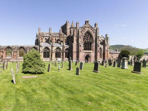 Katedry i zabytkowe kościoły w Szkocji